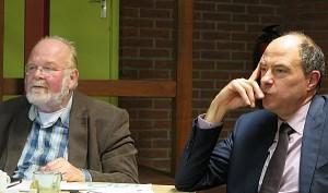 Rechts de heer Riemen, links de heer Bruintjes, voorzitter van PvdA Drenthe
